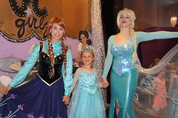 Frozen birthday party with Elsa and Anna