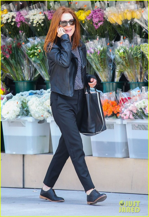 Julianne Moore Chatting On Her Cell Phone In New York City