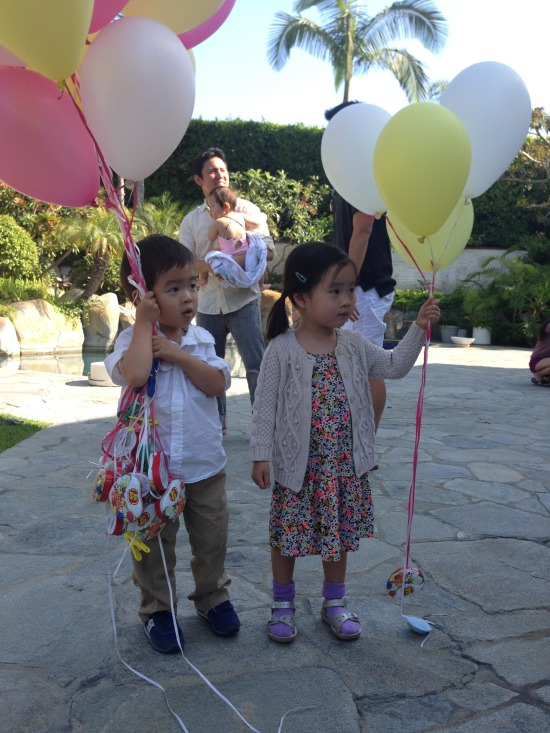 Jennie Kwon kids with balloons