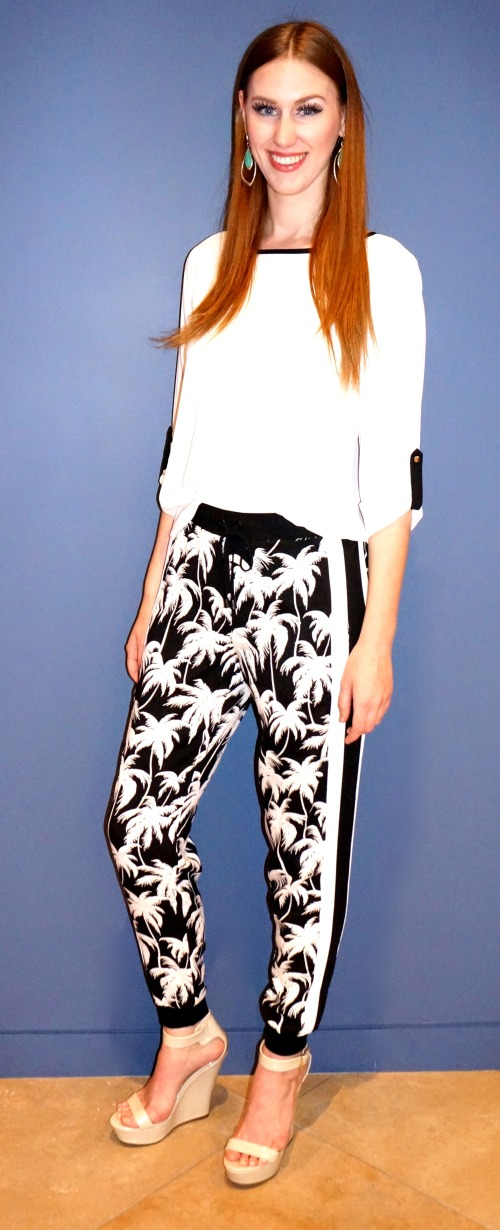 Vince Camuto palm-print pants