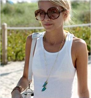 nicole-richie-and-bonnie-basham-double-horn-necklace-gallery