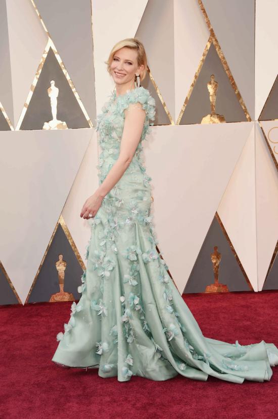 Cate-Blanchett-Armani-Prive-Oscars-2016