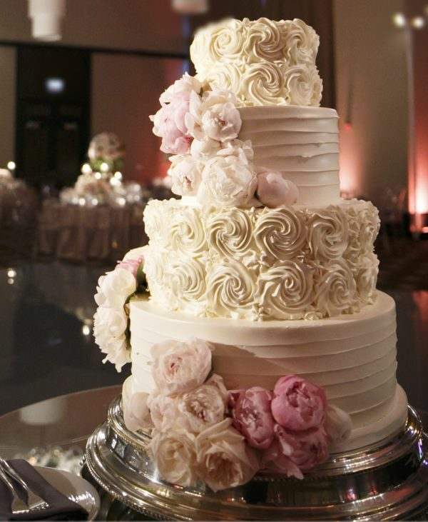 three-branches-floral-wedding-cake